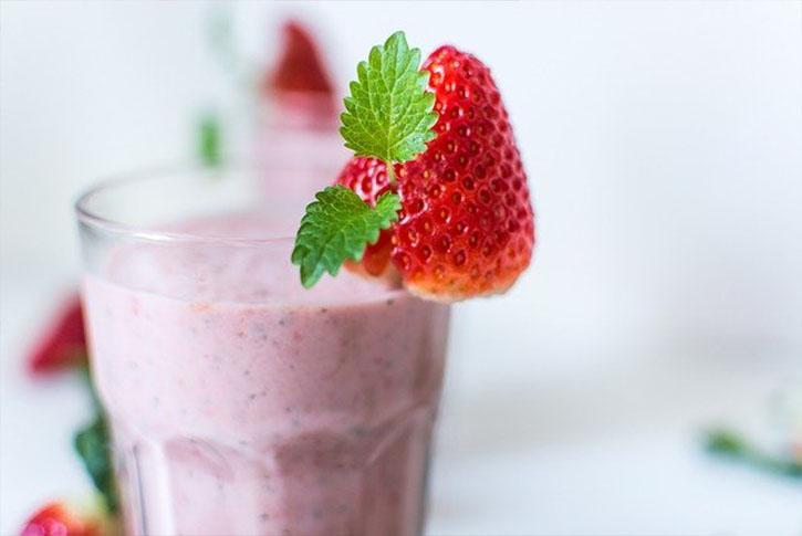 batido-de-fresa-y-platano-para-adelgazar-perder-peso-rapido-frutas-natural