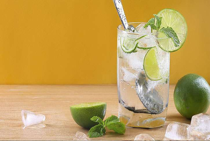 Agua con limón y sal en ayunas para adelgazar 2020