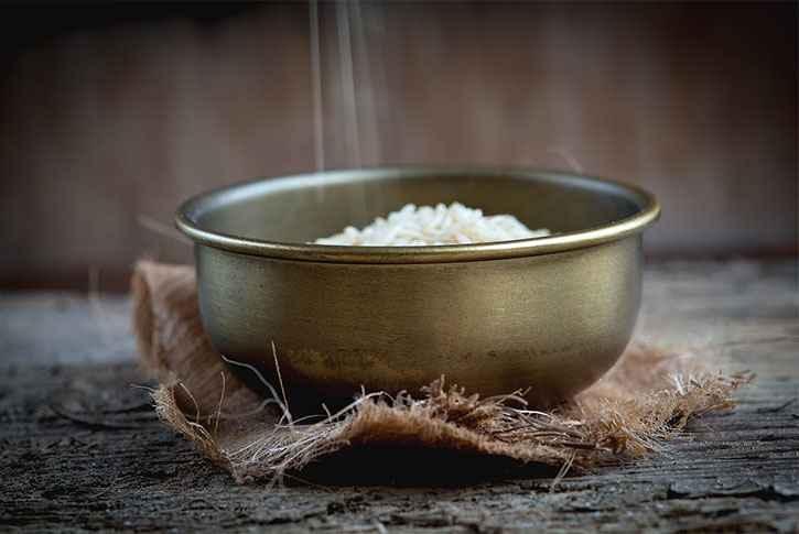 receta-arroz-integral-con-pollo-de-como-preparar-cocinar-comida-recetas-facil-rapido-sencillo-saobroso-con-tomillo-hierbas