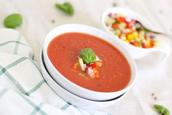 Cómo hacer gazpacho andaluz, la receta más fácil, rápida y sencilla del mundo.
